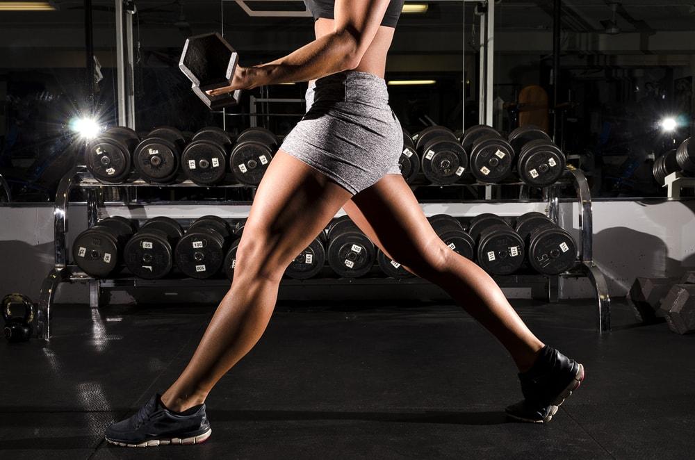 Como ter pernas torneadas: dicas de exercícios e alimentação